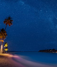 halaveli-maldives-2016-exterior-night